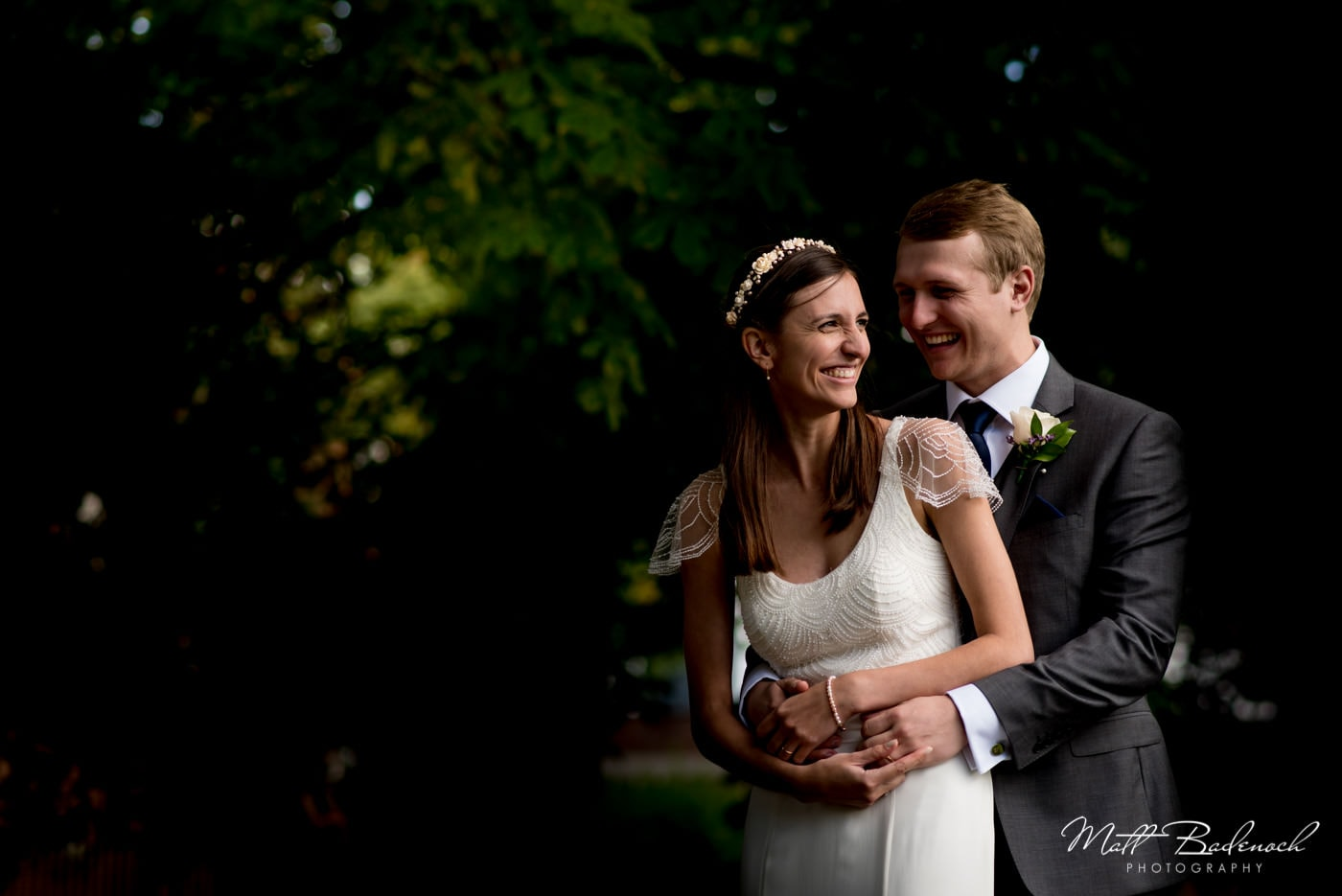 bride and groom portraits in Clissold Park