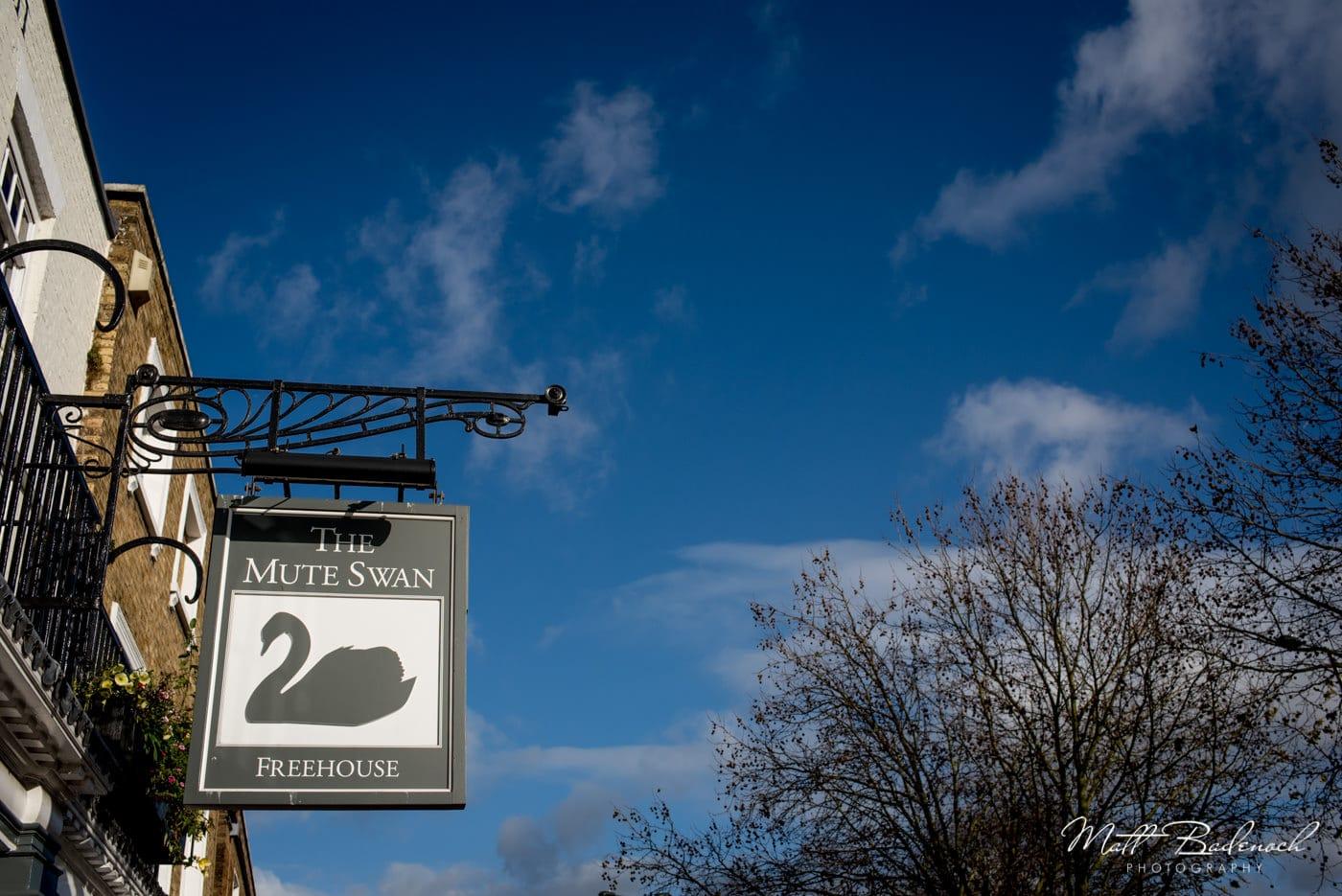 Mute Swam pub in Richmond