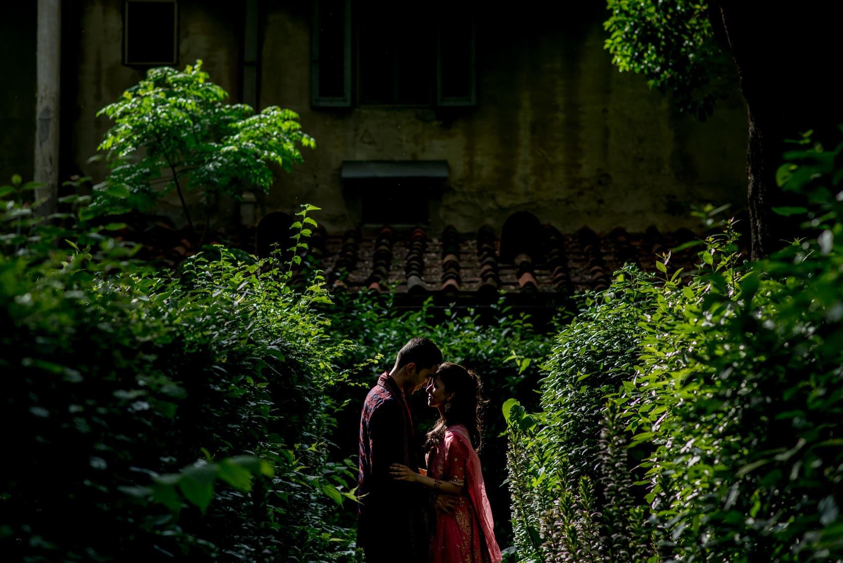 wedding couple at the Giardino Corsini al Prato in Florence
