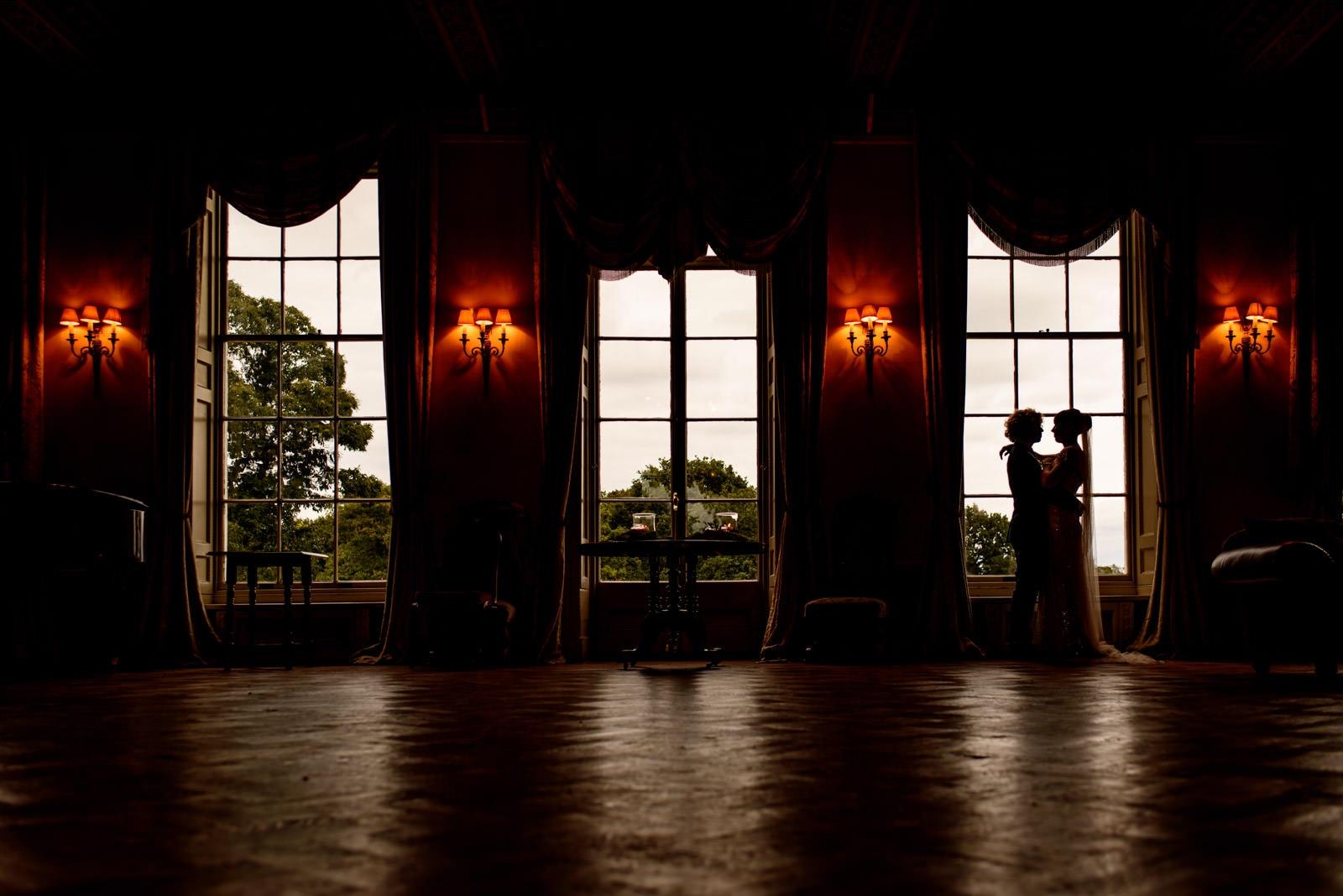 Creative wedding portraits at Hampton Court House